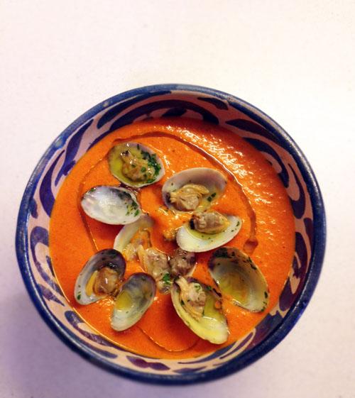 crema peperoni vongole piatto